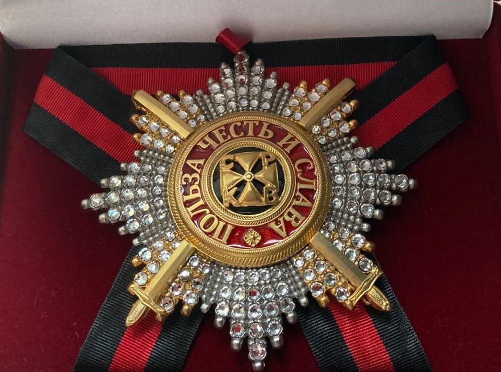 Звезда орд.Св.Владимира (с мечами,с хрусталем swarovski)